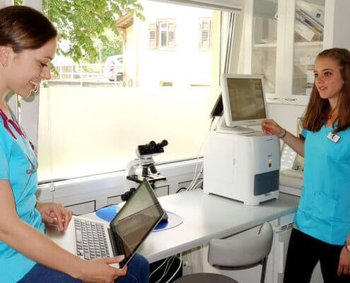 Laptop and Laboratory analyser